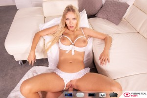 VR Porn Picture Florane Russell 025